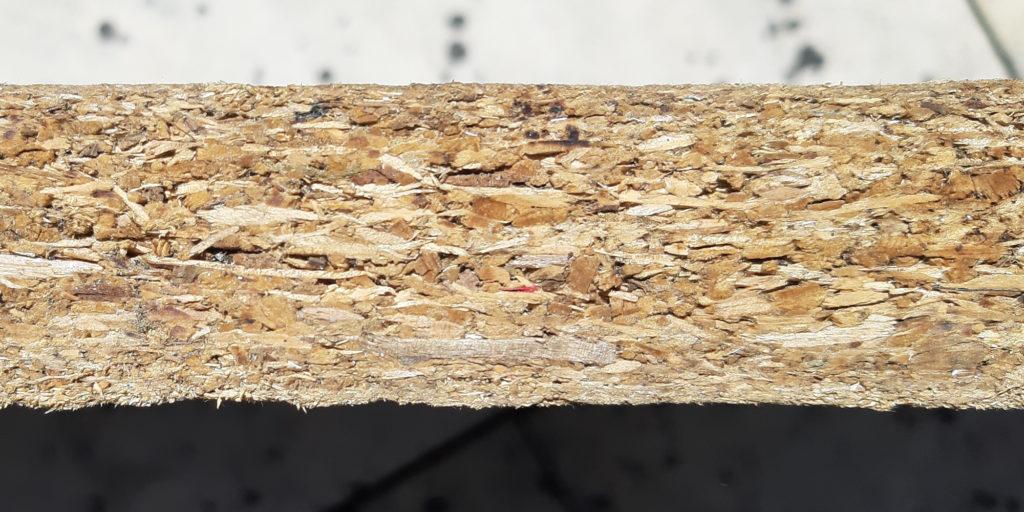 Viele Möbel enthalten Formaldehyd. Dieses entweicht aus Holzwerkstoffen wie Spanplatten.