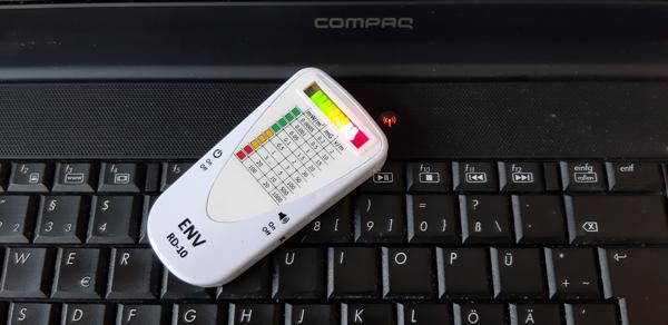 Messung eines Computers mit dem Detektor ENV RD-10